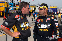 Crew chief Ryan Pemberton and Mike Wallace
