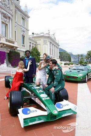 Sesión de fotos Jaguar: Mark Webber y Antonio Pizzonia con Wesley Snipes, Meredith Ostrum y Julienne