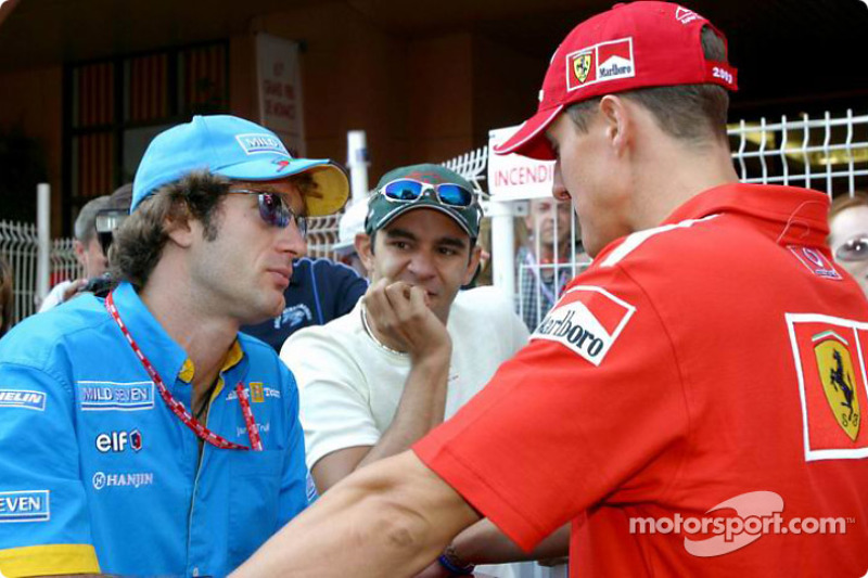 Jarno Trulli, Antonio Pizzonia et Michael Schumacher en discussion