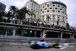 Fernando Alonso en el desenfoque de movimiento