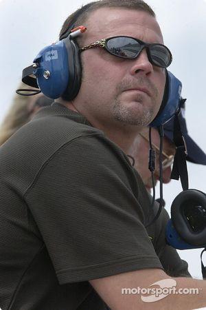 Crew chief Harold Holly
