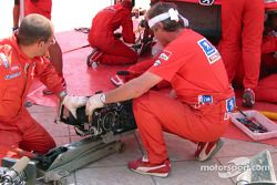 Gearbox change on Harri Rovanpera's car