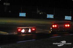 #15 Racing for Holland Dome S101 Judd: Jan Lammers, Andy Wallace, John Bosch, et #99 XL Racing Ferrari 550 Maranello: Ange Barde, Michel Ferte, Guillaume Lesoudier