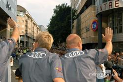 #10 Audi Sport UK Audi R8: Perry McCarthy, Mika Salo and Frank Biela