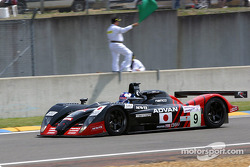 la Dome S101 Mugen n°9 du team Kondo Racing pilotée par Ukyo Katayama, Masahiko Kondo, Ryo Fukuda en tête de la grille de départ