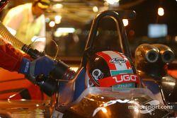 Arrêt pour la Dome S101 Mugen n°9 de l'équipe Kondo Racing pilotée par Ukyo Katayama