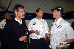 Dr Mario Theissen, Gerhard Berger and Ralf Schumacher, with other members of the team celebrate an extention of five years to the existing contract between BMW and Williams