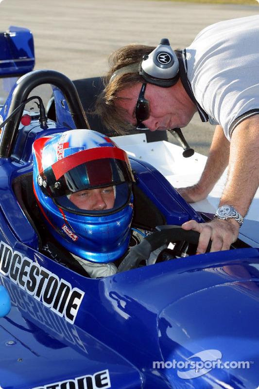 Ryan Dalziel tests with Walker Racing