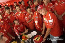 Michael Schumacher celebra 1000 puntos en la F1