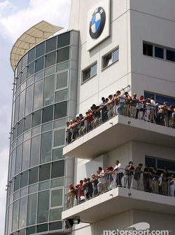 Torre de la salida de pits