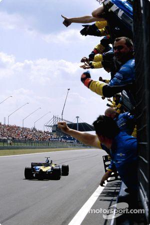 Porristas del equipo de Renault F1 Fernando Alonso