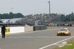 #85 Team Orange Spyker Spyker C8 Double12R: Norman Simon, Hans Hugenholtz, Tom Coronel takes the checkered flag