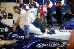 Juan Pablo Montoya teste sa FW24 pour Jeff Gordon