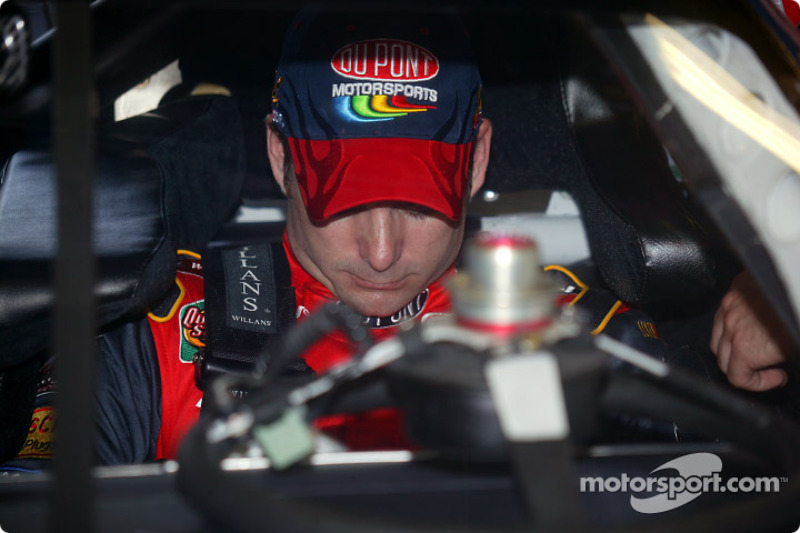 Jeff Gordon en su Chevrolet DuPont que conducirá Juan Pablo Montoya