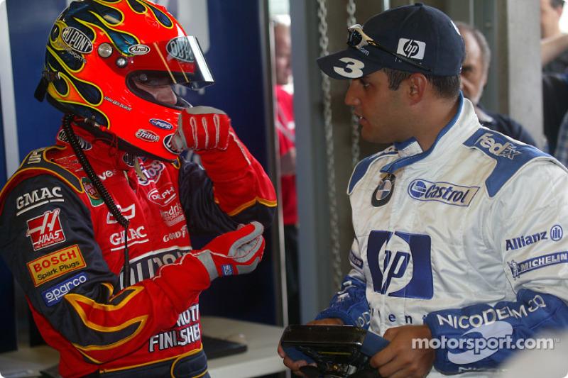 Jeff Gordon, left, getting to grips ve steering travel, ve F1 Car
