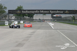 Jeff Gordon, left, ve Juan Pablo Montoya veer into left-hand turn, end, back straightaway, Indy