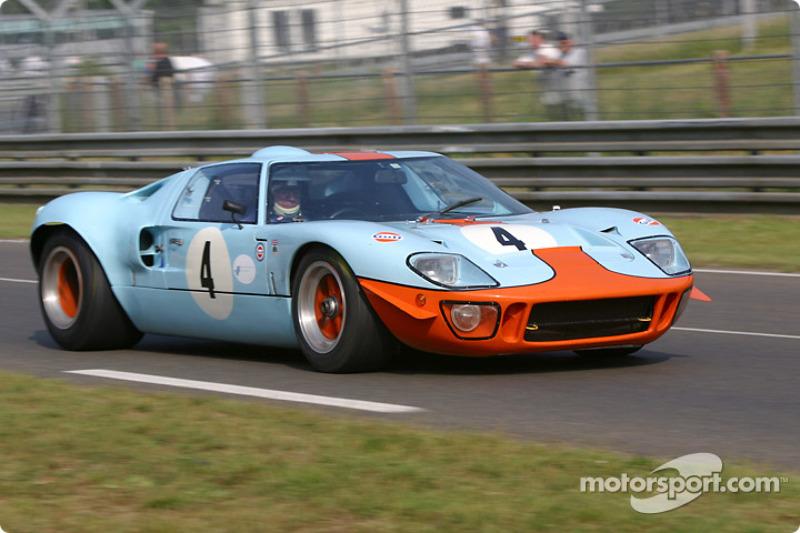 №4 Ford GT40: Мартин Колвилл, Джеки Оливер