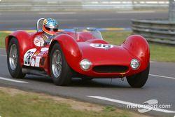 la Maserati Birdcage n°38 pilotée par Alan Minshaw, Jason Minshaw
