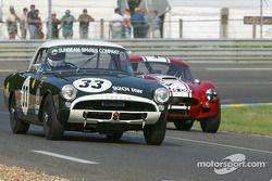 la Sunbeam Alpine Le Mans n°33 pilotée par Keith Hampson, Tristan Bradfie
