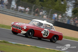 La MGB n°39 pilotée par Barry Sidery-Smith, Jeremy Roge