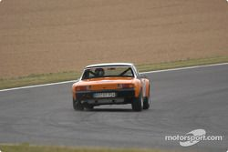 la Porsche 914 n°46 pilotée par Marcus Schachtschneider