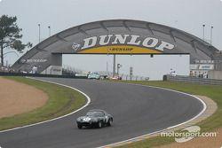 la Jaguar Lightweight E Type n°17 pilotée par Jo Bamford, Frank Sytner