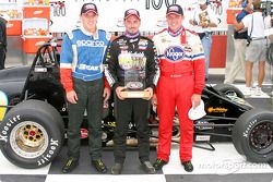 Le top 3 final: Aaron Fike (second), Dave Steele (premier), and Ed Carpenter (troisième)