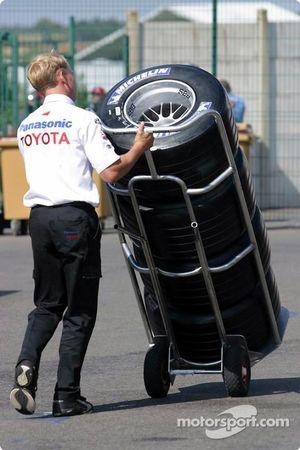 Un membre de l'équipe Toyota