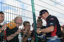 La star de la session de qualifications du vendredi: Jos Verstappen