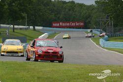 la Dodge Neon SRT4 n°59 de l'équipe The Fat And The Furious XXL pilotée par Peter Mansolillo, James
