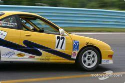 l'Acura Integra R n°77 de l'équipe Power Racing Team pilotée par Mike Keravich, Owen Trinkler