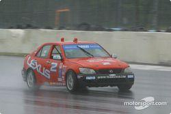 la Lexus IS300 n°2 du Team Lexus pilotée par Ian James, Tim Gaffney