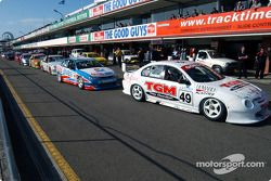 The field in the pits before the race