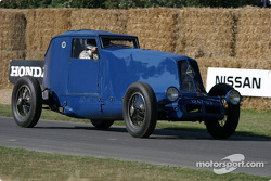 Jean Ragnotti in 1926 Renault 40cv 'Montlhery Coupe'
