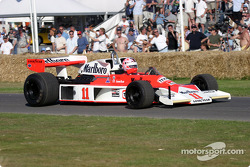 Lorina McLaughlin in 1976 McLaren Cosworth M23