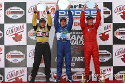Le podium: le vainqueur Memo Rojas avec Colin Fleming et David Martinez