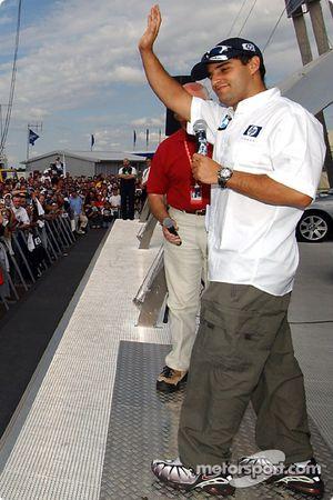 Juan Pablo Montoya rencontre ses fans