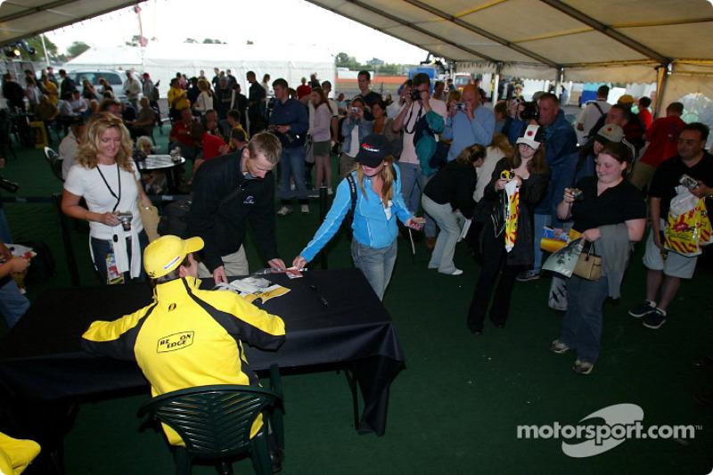 Jordan Evento del Club de fans: Ralph Firman firma autógrafos para los aficionados
