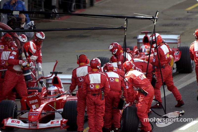 Rubens Barrichello ve Michael Schumacher pit