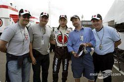 Jenson Button con invitados BAR