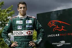 Justin Wilson after his transfer to Jaguar Racing from Minardi, Jaguar Racing faktöry Milton Keynes