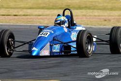 Clint Cathcart durant les essais de Formule Ford