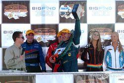 Russell Ingall célèbre sa première victoire après aucune victoire depuis Winton 2002