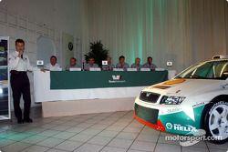 Skoda Team dévoile sa nouvelle Skoda Fabia WRC: Roman Meliska, Vladimir Sulc, Peter Kohoutek, Pavel Janeba, Didier Auriol, Denis Giraudet, Toni Gardemeister, Paavo Lukander