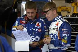 Jeff Burton y el jefe de equipo, Paul Andrews
