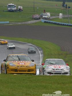 la Porsche GT3 Cup n°23 de l'équipe TPC Racing pilotée par Andy Lally, Michael Schrom, et la Porsche GT3 Cup n°18 de l'équipe TPC Racing pilotée par Michael Levitas, Randy Pobst