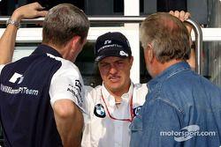 Ralf Schumacher discute con Willi Webber