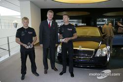 Kimi Raikkonen ve David Coulthard visit Maybach Centre, Excellence Sindelfingen