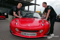 Kimi Raikkonen and David Coulthard visit Smart in Böblingen