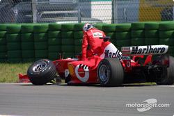 Rubens Barrichello after first corner kaza